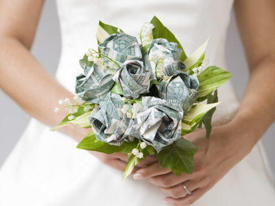 букет невесты из денег как сэкономить на организации свадьбы сэкономить на свадьбе