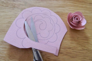 Розочки из бумаги, розы из бумаги